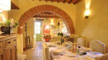 Sala da Pranzo Casale Toscana
