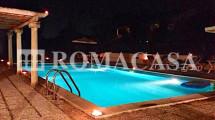 Piscina  -Villa Pratica di Mare -ROMACASA