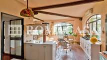 Cucina con sala Villa Aurelia -ROMACASA